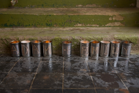 DIY tin can name tea lights for wedding decor
