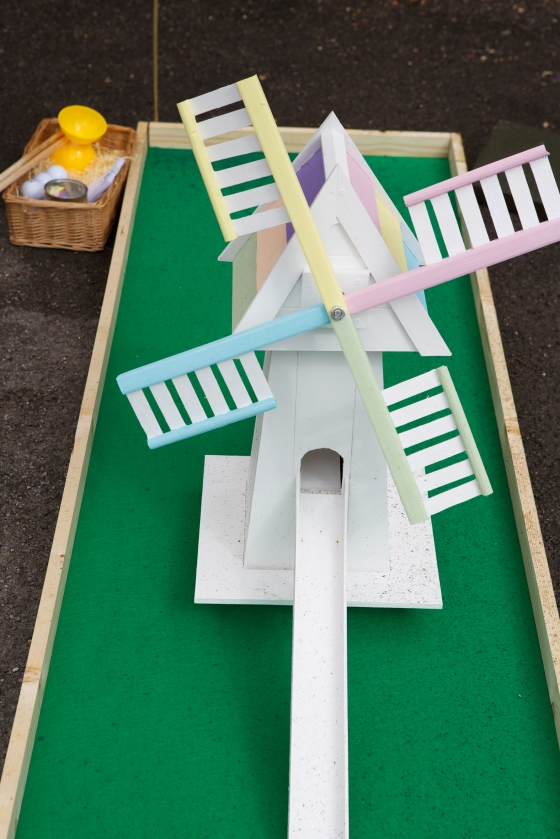 DIY wedding crazy golf with an adventure theme